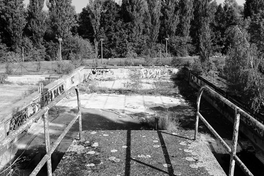 Abandoned public swimming pool